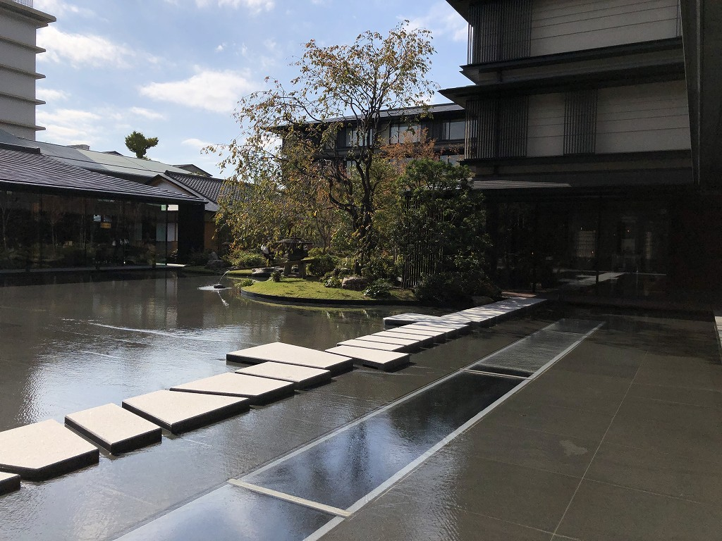 HOTEL THE MITSUI KYOTOの中庭(晴天)1