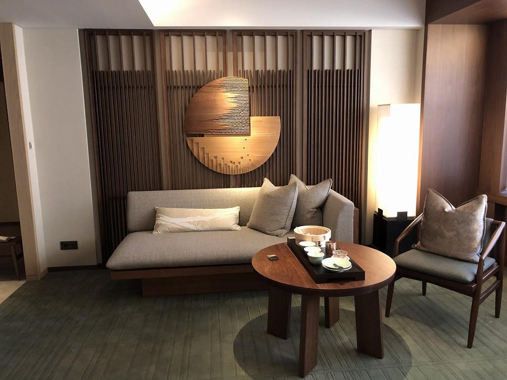 HOTEL THE MITSUI KYOTOのデラックススイートルームのリビングルーム2