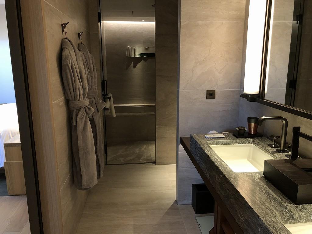 HOTEL THE MITSUI KYOTOのデラックススイートルームのバスルーム1