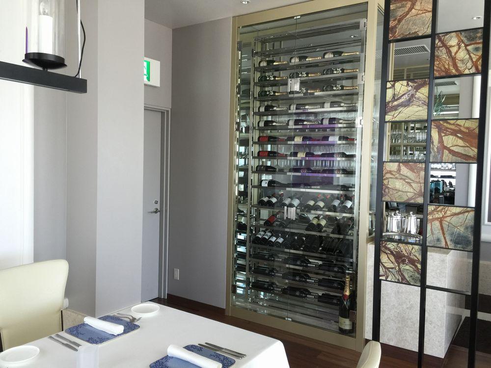 ハイアットリージェンシー那覇沖縄のミラノ・グリルのワインセラー