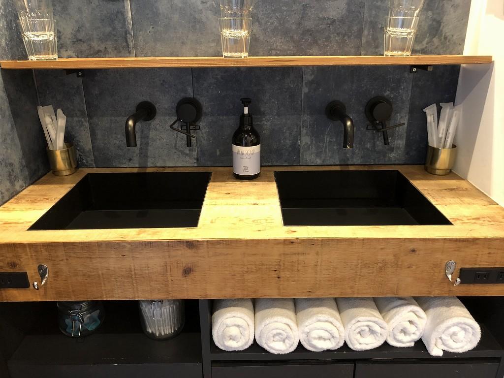 illi Shimokitazawaの洗面台1