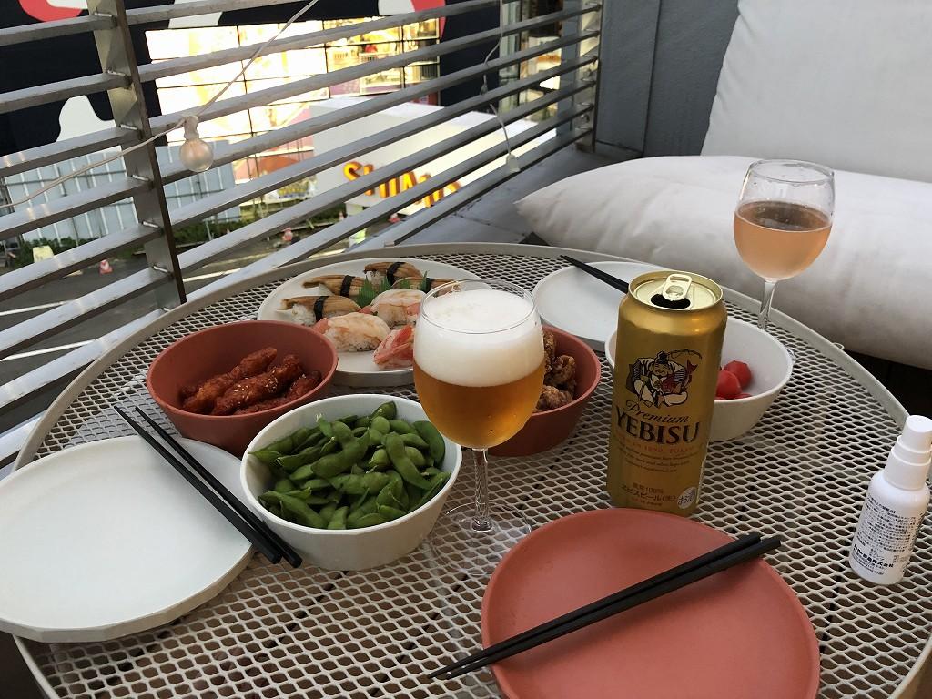 illi Shimokitazawaの301号室のテラス席で晩飯2