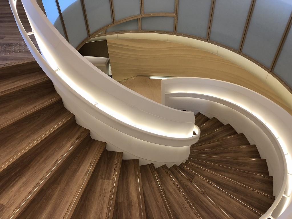 インターコンチネンタル横浜Pier8の螺旋階段3