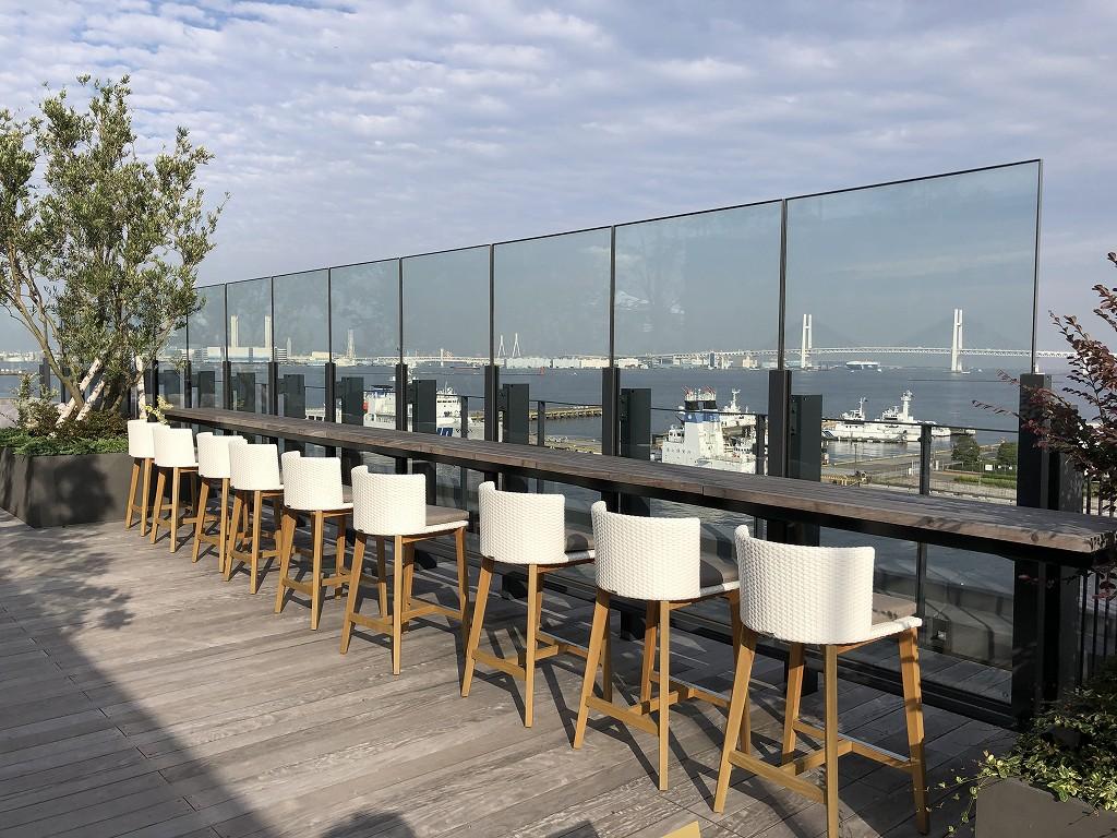 インターコンチネンタル横浜Pier8のルーフトップ1859のカウンター席