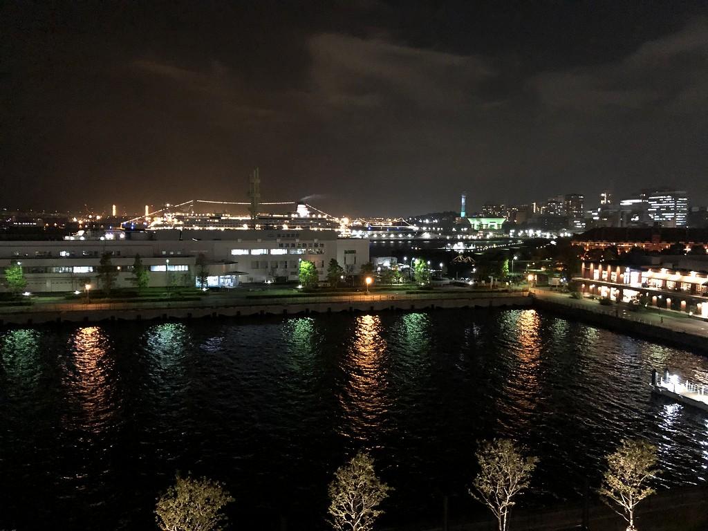 インターコンチネンタル横浜Pier8のLARBOARDからの夜景