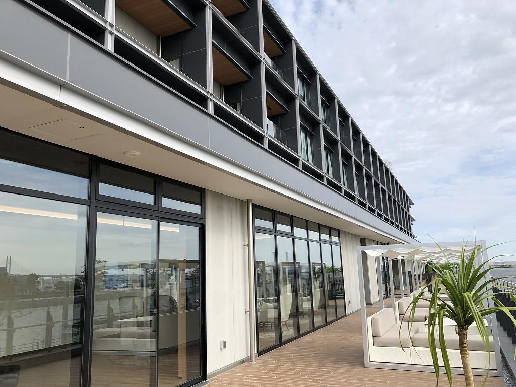 インターコンチネンタル横浜Pier8のLARBOARDからの眺め(朝)1