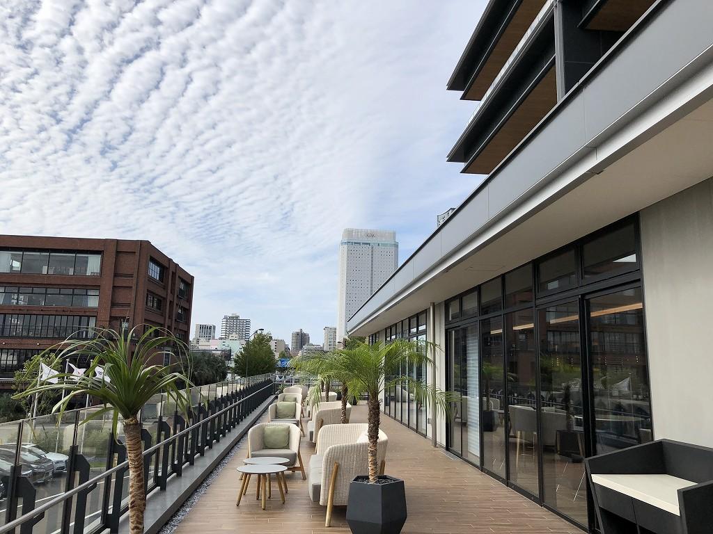 インターコンチネンタル横浜Pier8のLARBOARDからの眺め(朝)2