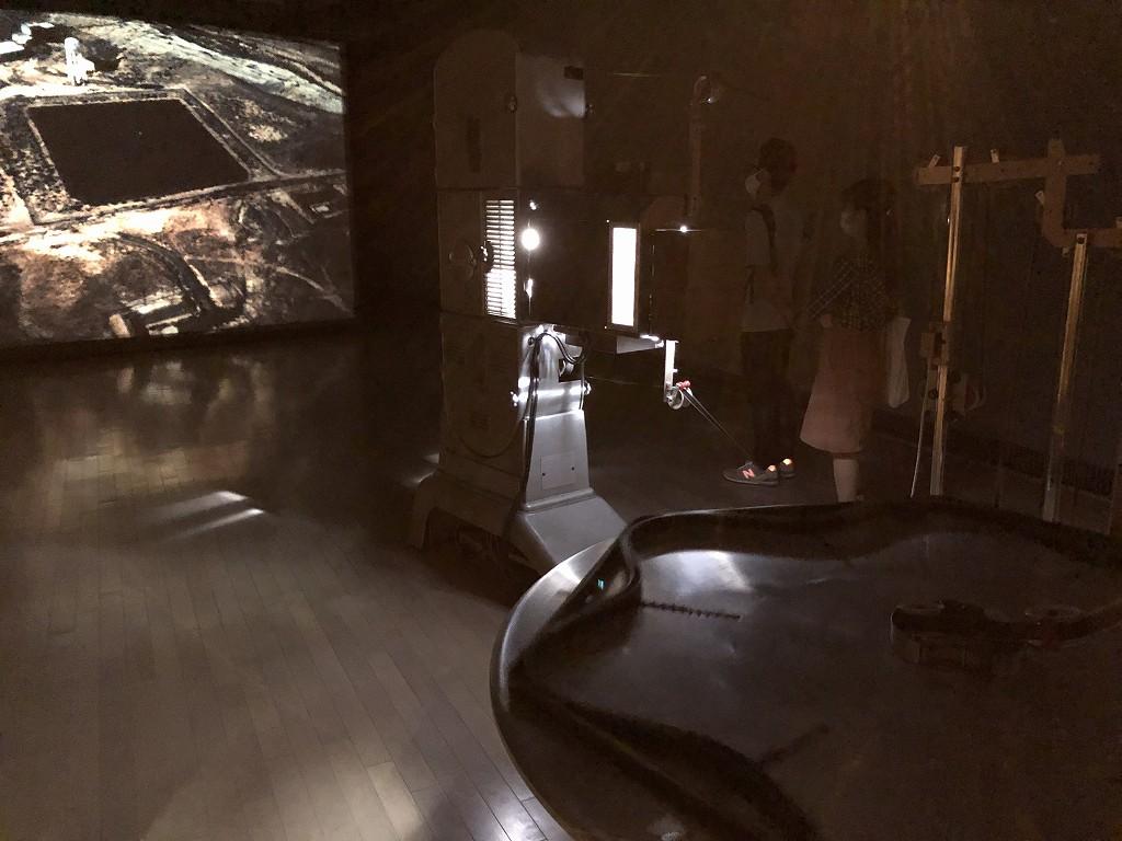 横浜トリエンナーレのローザ・バルバ「地球に身を傾ける」1