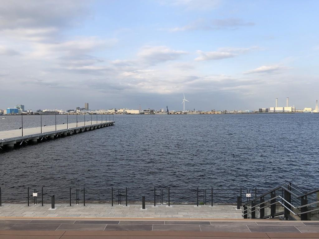 埠頭の端2