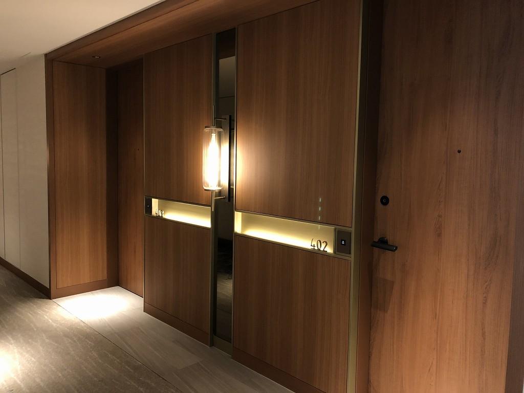 インターコンチネンタル横浜Pier8の部屋のドア
