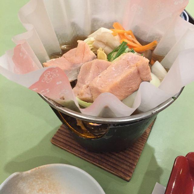絶景の宿 犬吠埼ホテルの夕食(鍋物)