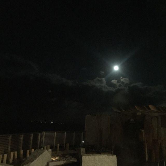 絶景の宿 犬吠埼ホテルの温泉から見た月