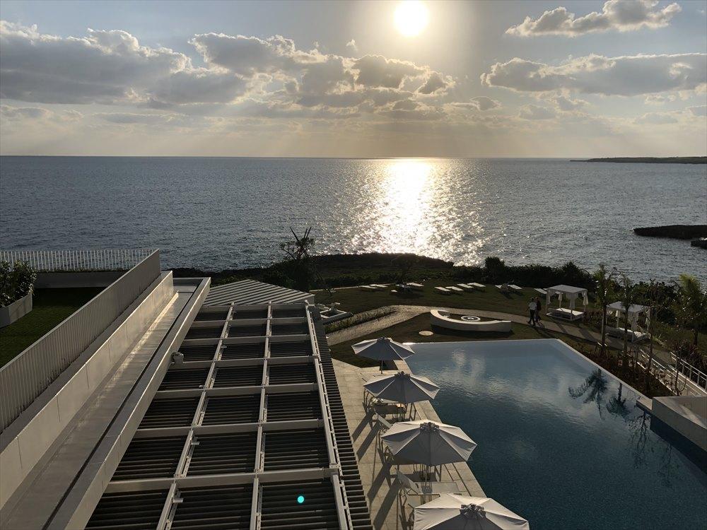 イラフSUIラグジュアリーコレクションホテル沖縄宮古のアッパーオーシャンビュールームのテラス3