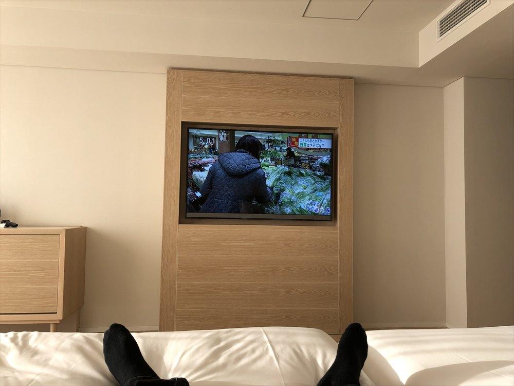 イラフSUIラグジュアリーコレクションホテル沖縄宮古のアッパーオーシャンビュールームのテレビ