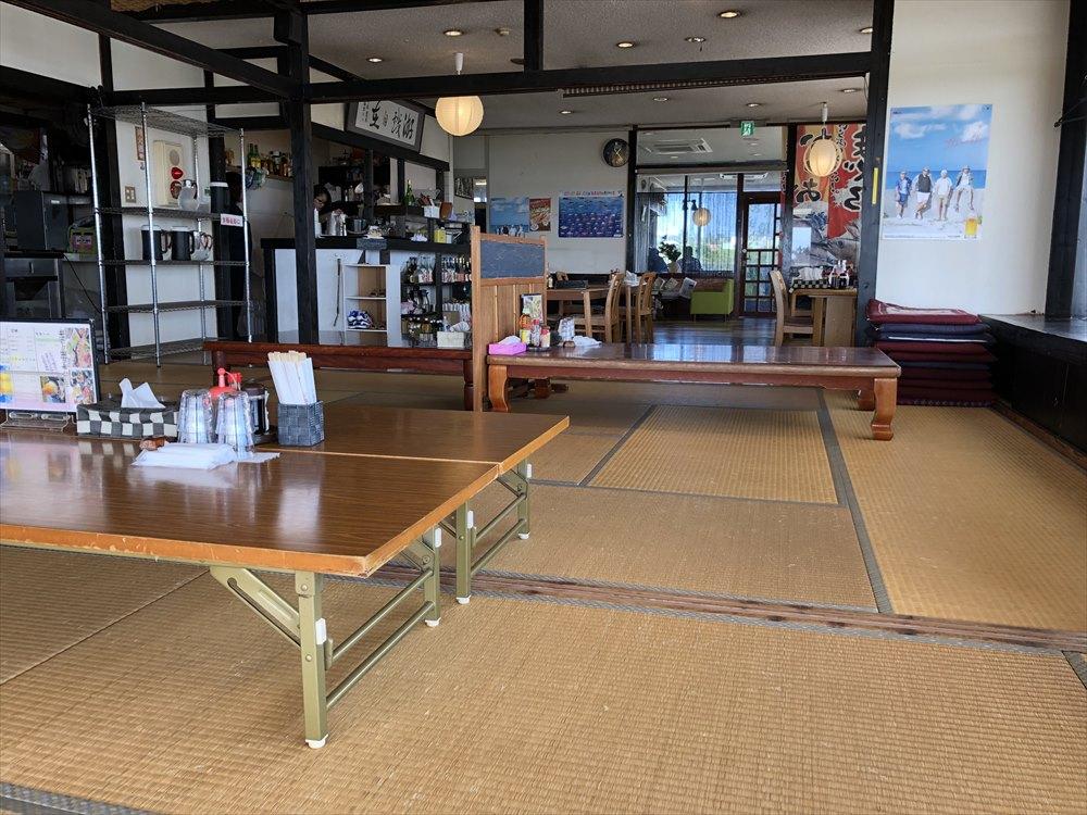 伊良部島のレストラン入江の内観1