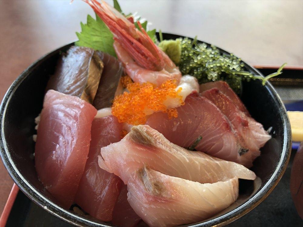 伊良部島のレストラン入江の海鮮丼2