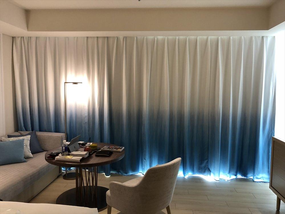 イラフSUIラグジュアリーコレクションホテル沖縄宮古のカーテンの海