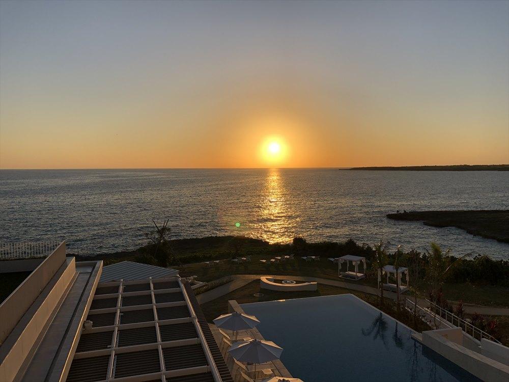 イラフSUIラグジュアリーコレクションホテル沖縄宮古からの夕日