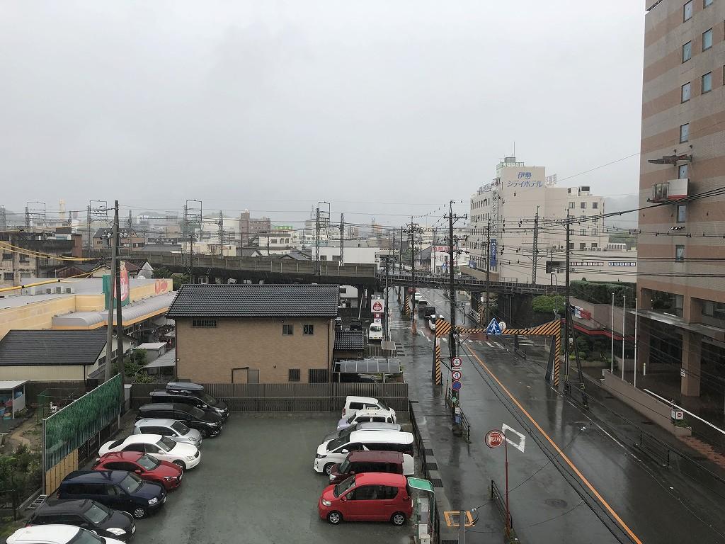 雨の伊勢市