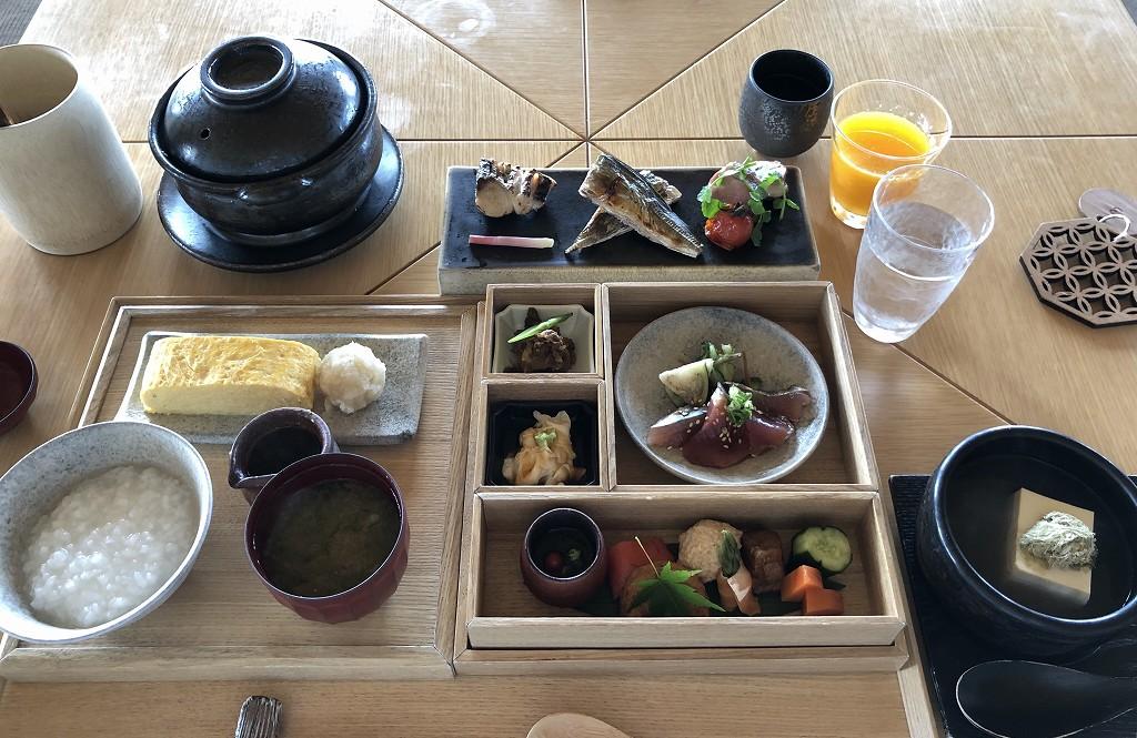 アマネムの和箱朝食の全体像