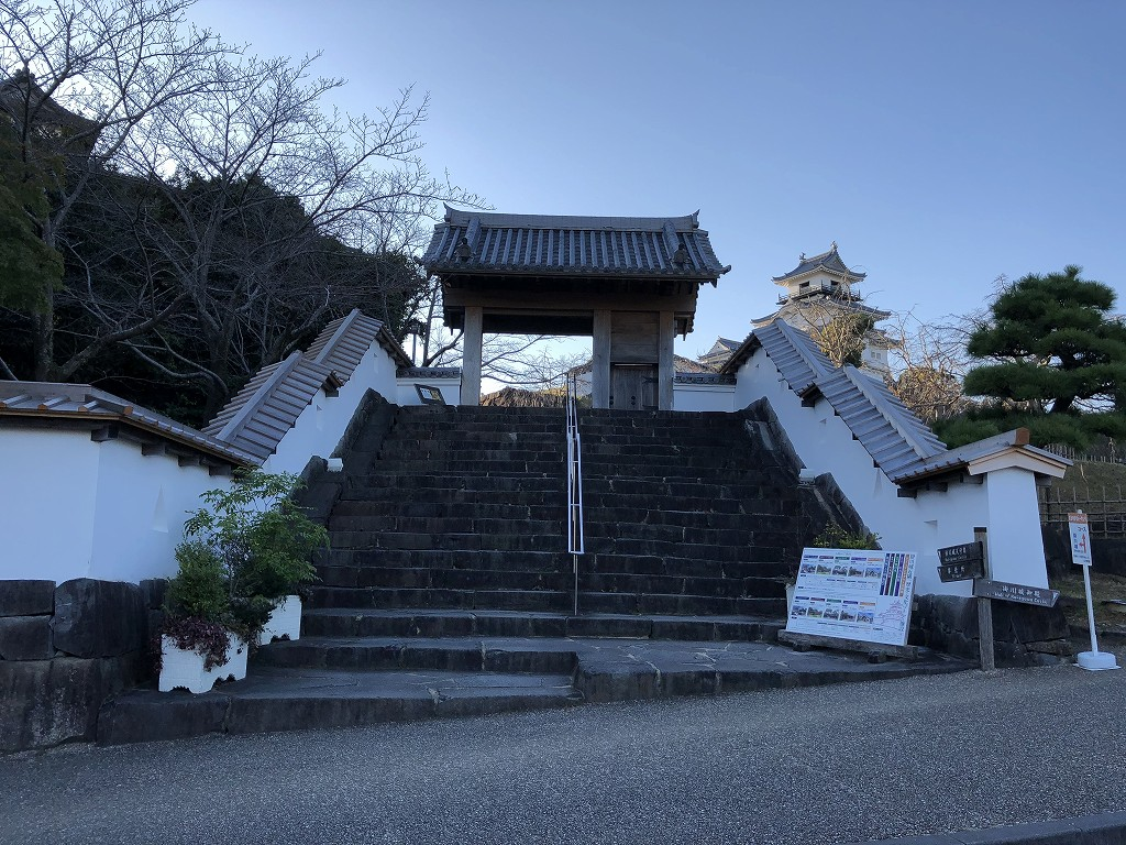 掛川城の四足門