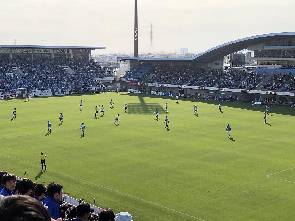 ヤマハスタジアムのジュビロ磐田vsFC東京キックオフ