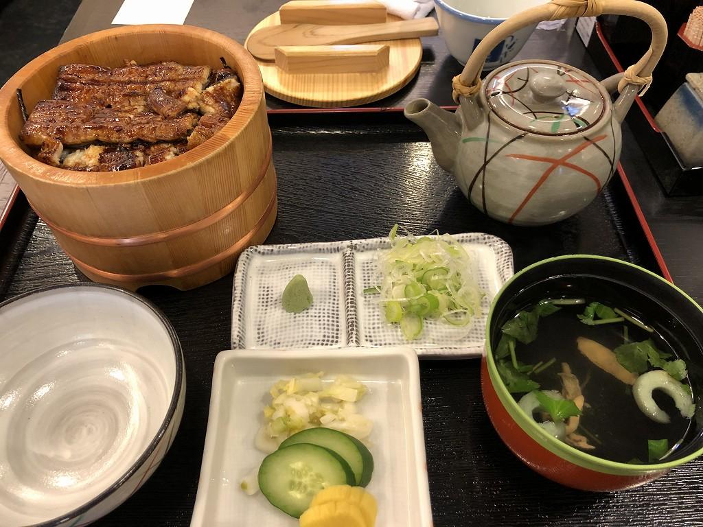 浜松駅前の八百徳本店のお櫃鰻茶漬け1
