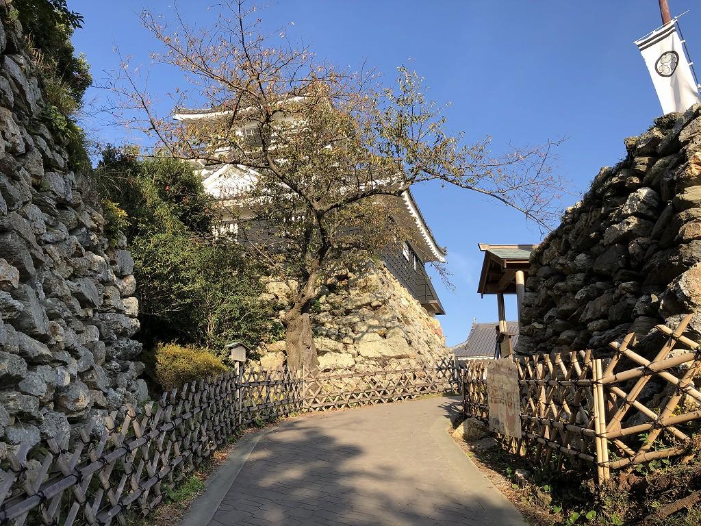 浜松城の野面積みの天守曲輪3