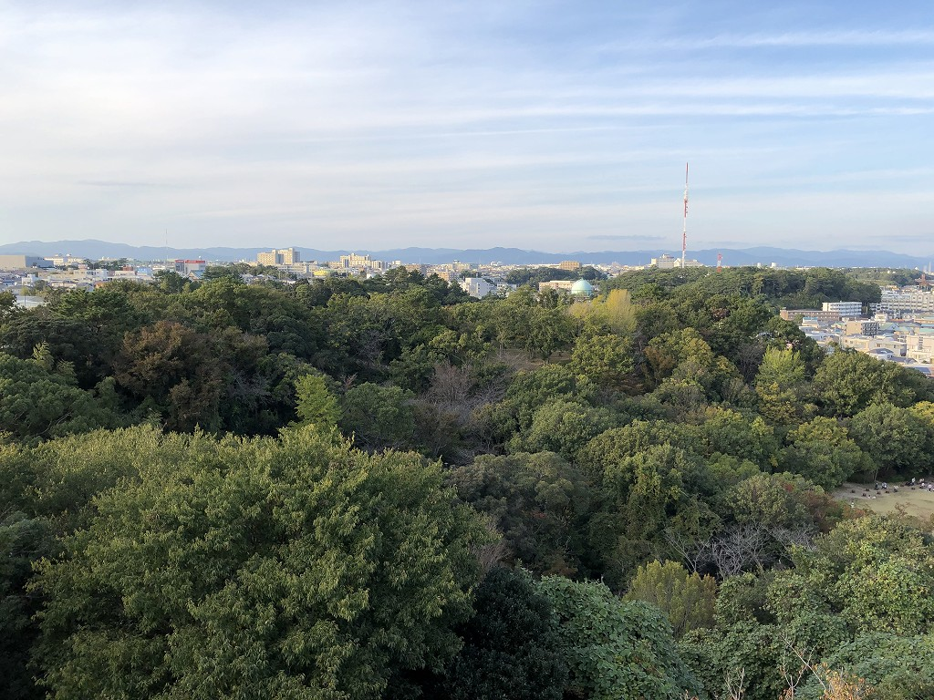 浜松城の天守閣から三方ヶ原古戦場方向