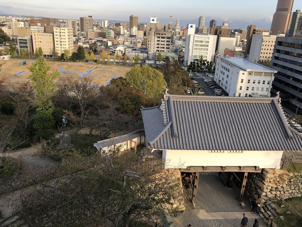 浜松城の天守門と二の丸跡