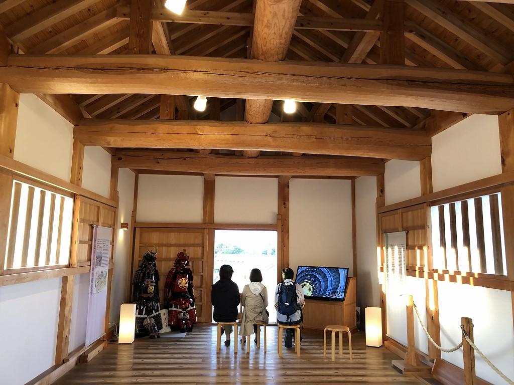 浜松城の天守門の内観1
