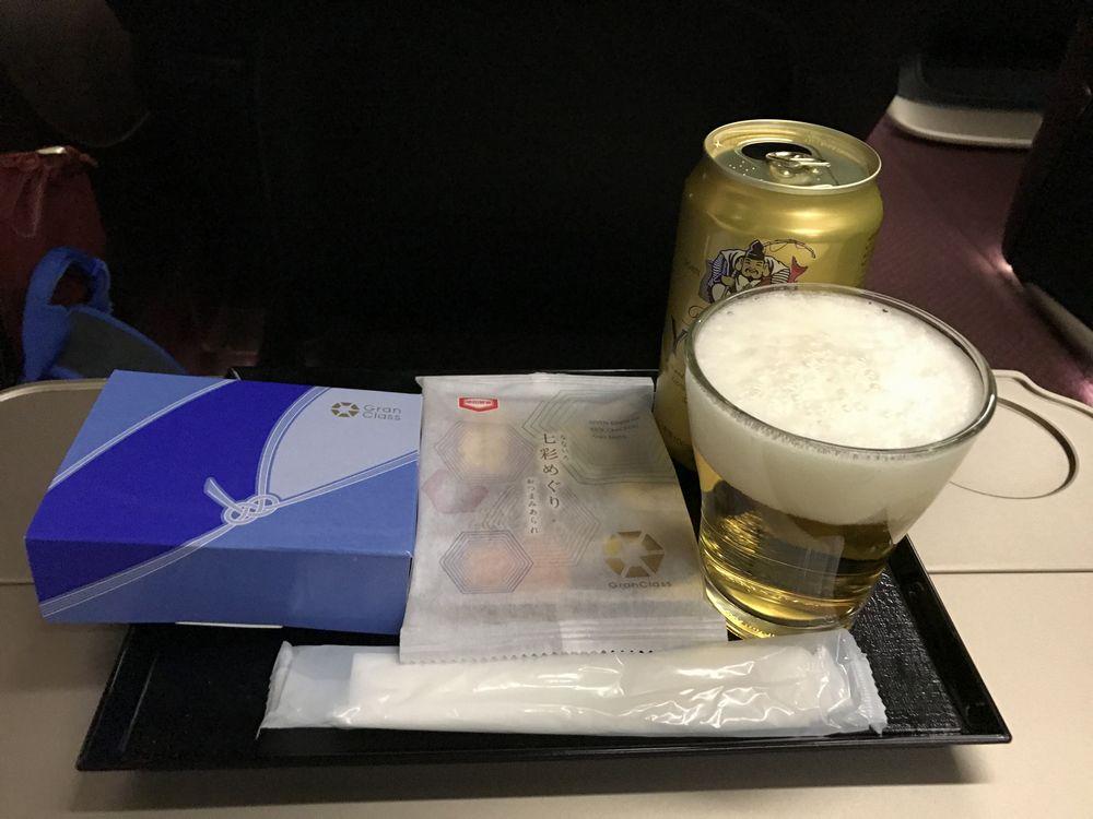 かがやき510号のグランクラスのビール