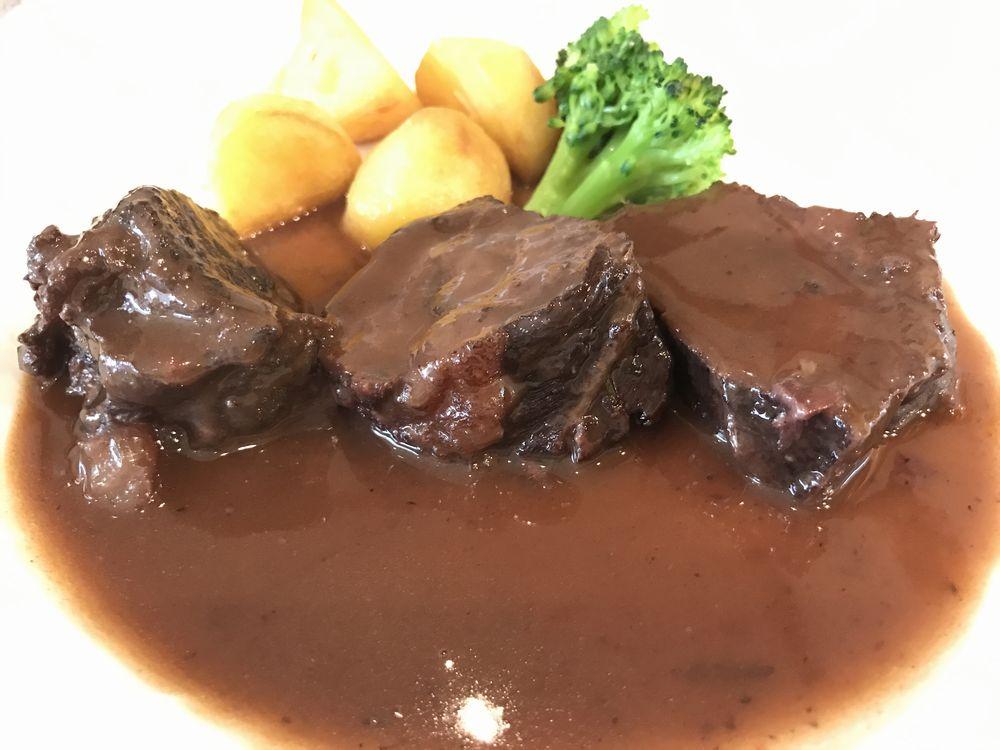 金沢のNODUS(ノードゥス)の牛頬肉の赤ワイン煮