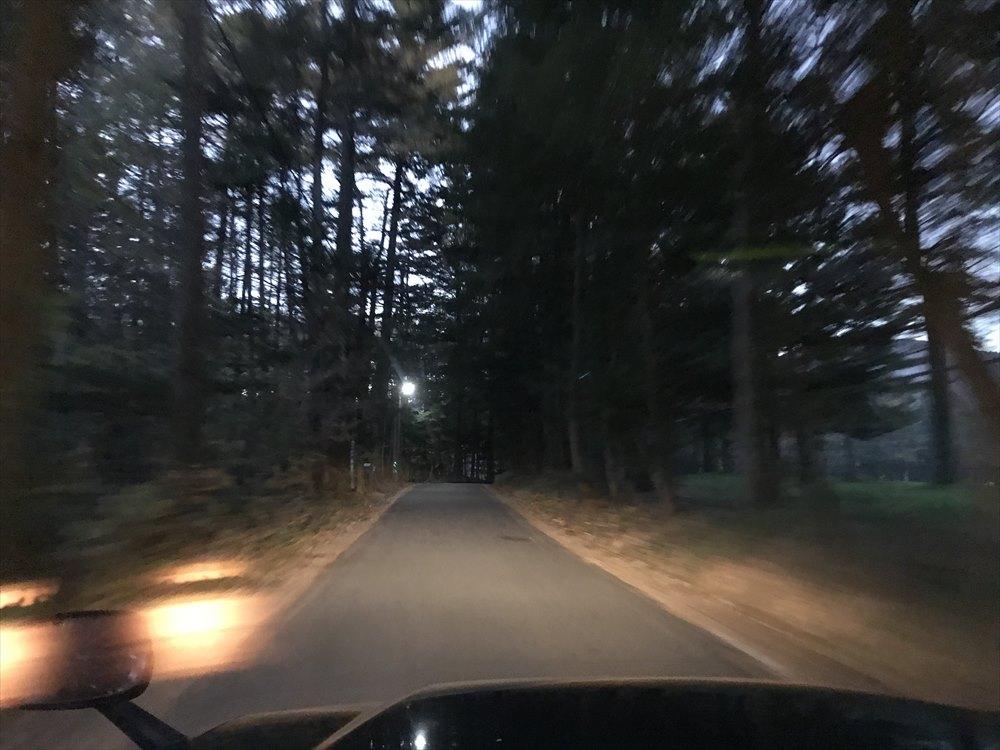 軽井沢の別荘地の道路