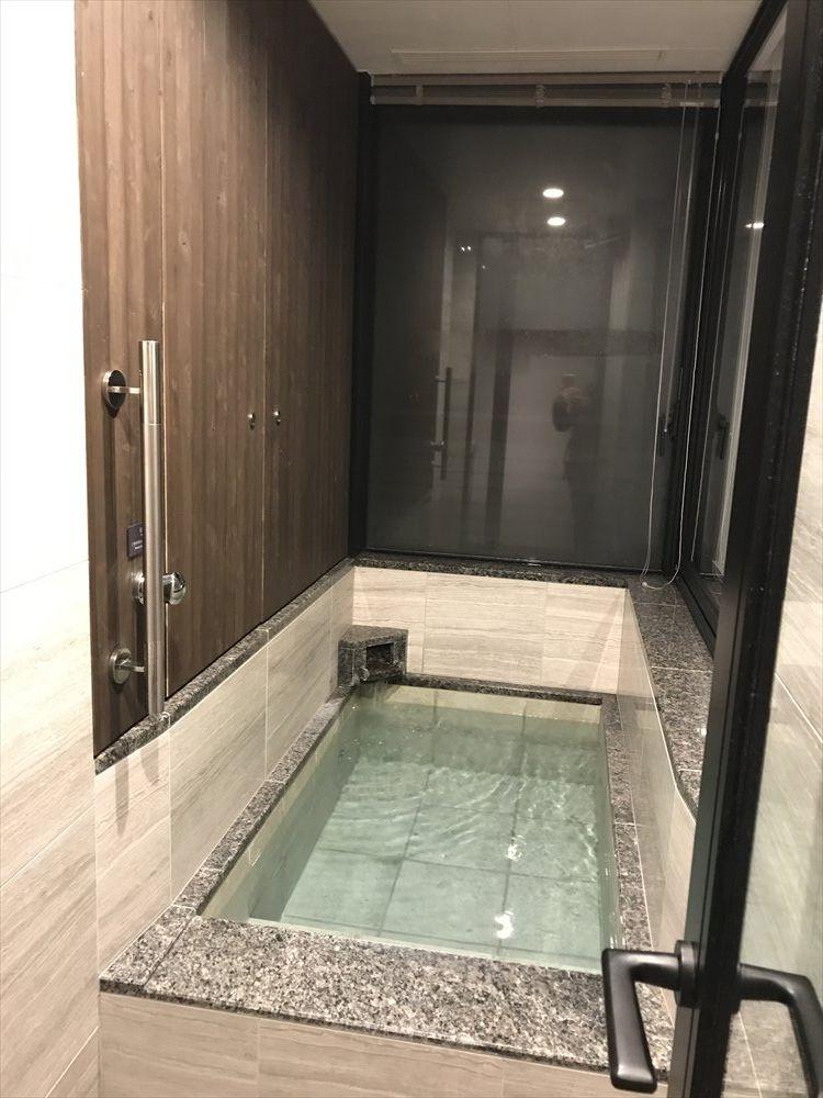軽井沢マリオットホテルの温泉ビューバス付プレミアルームの温泉2