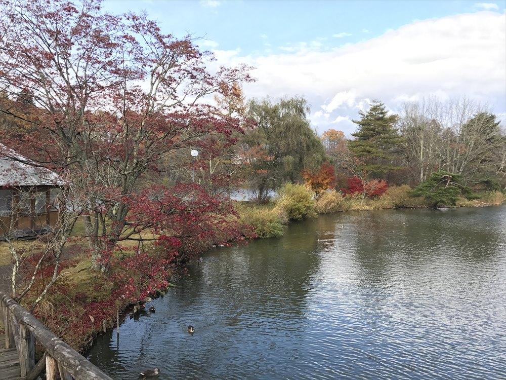 塩沢湖の紅葉