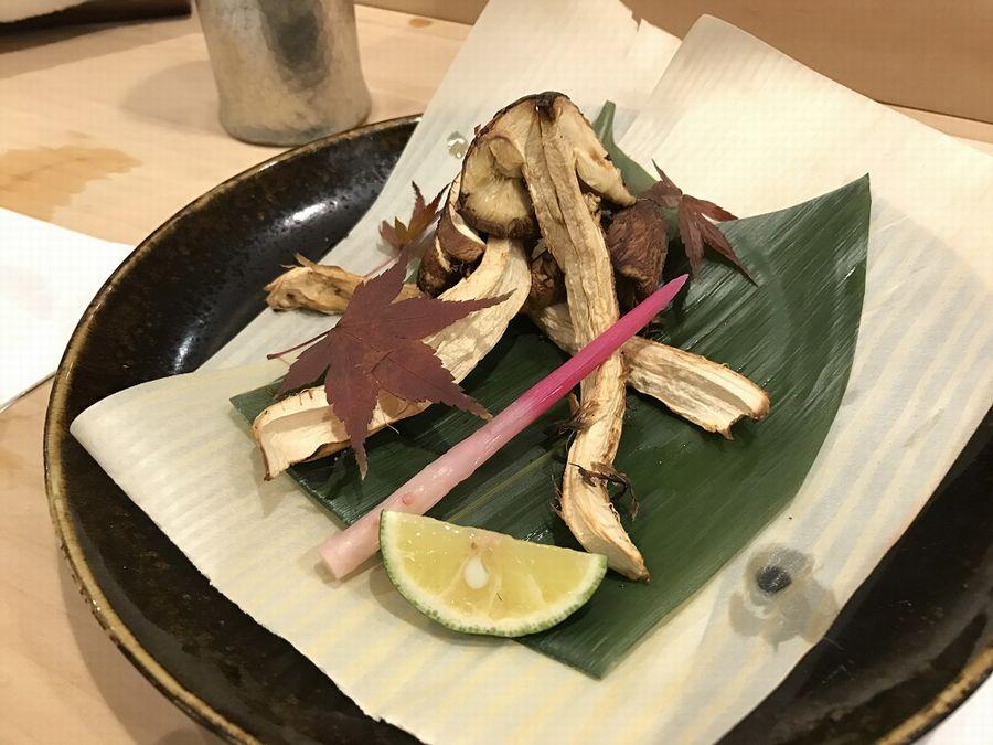 鮨一品かわじの松茸焼き