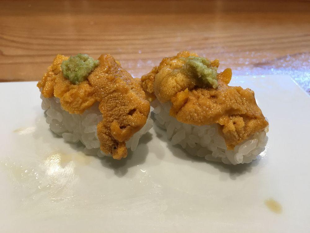 熊本・金寿しのウニの寿司