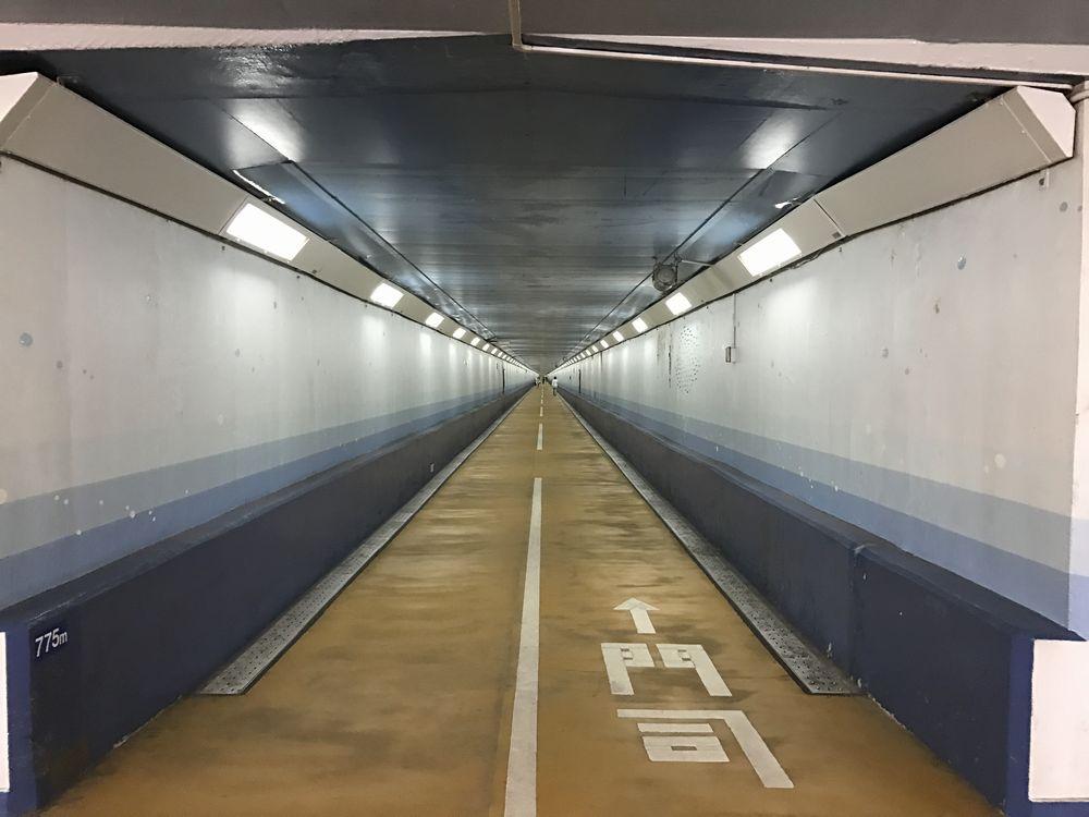 関門トンネル人道の県境(下関側)