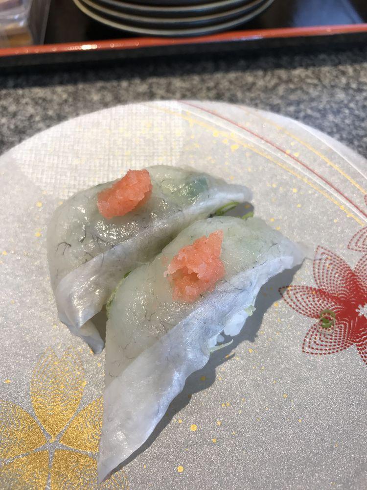 カモンワーフの回転寿司1
