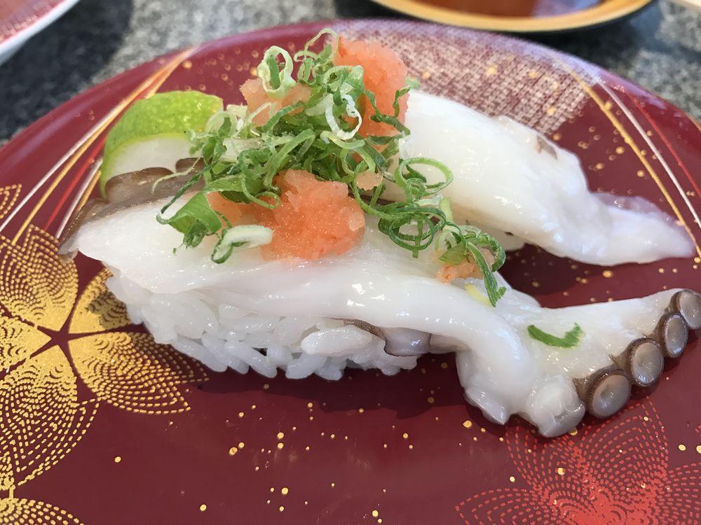 カモンワーフの回転寿司2