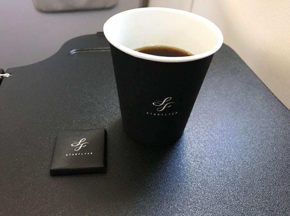 スターフライヤーのコーヒーとチョコレート