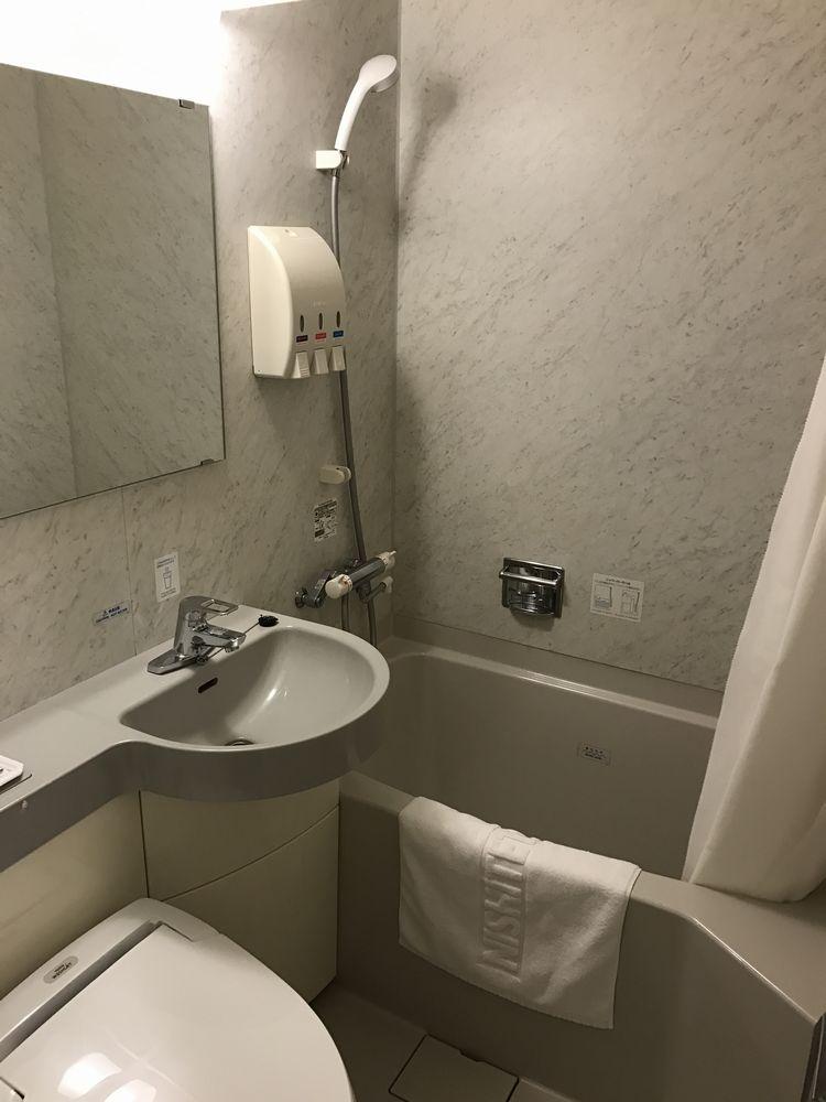 西鉄イン小倉の禁煙シングル(ダブルベッド)のバスルーム