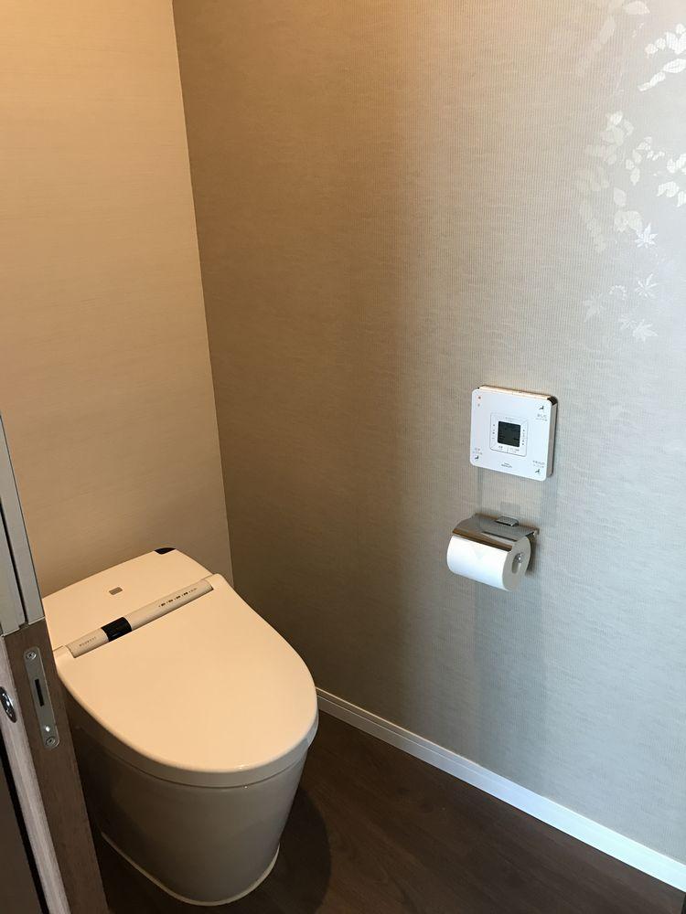 大阪マリオット都ホテルのスーペリアダブルルームのトイレ