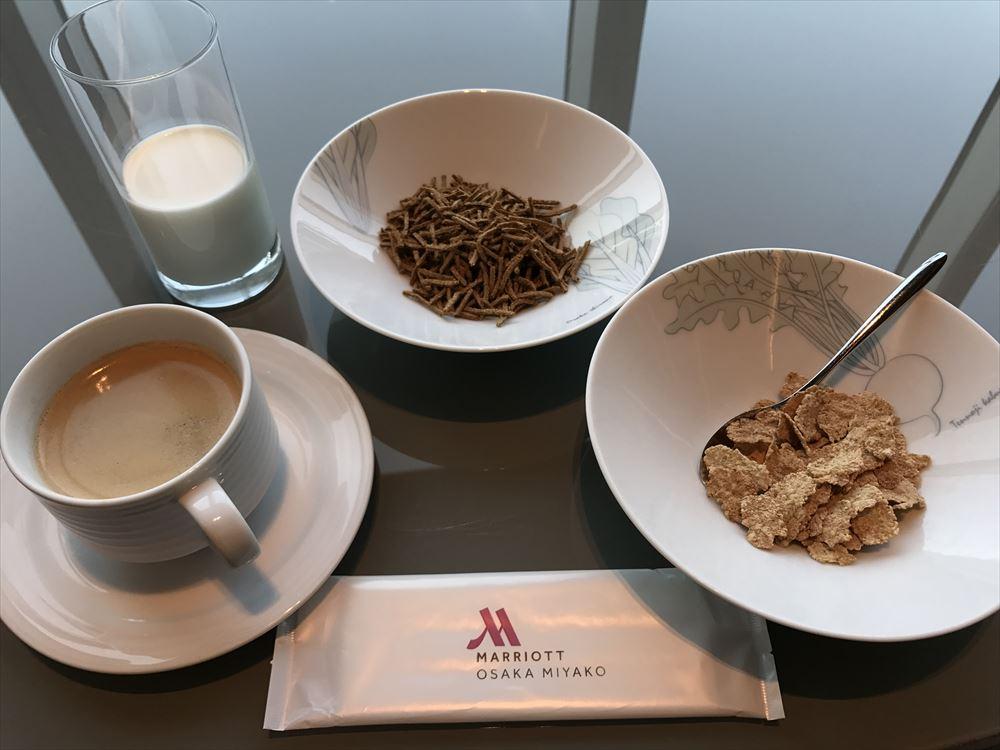 大阪マリオット都ホテルからのクラブラウンジで朝食1