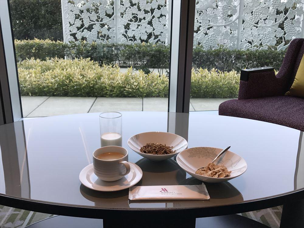 大阪マリオット都ホテルからのクラブラウンジで朝食2