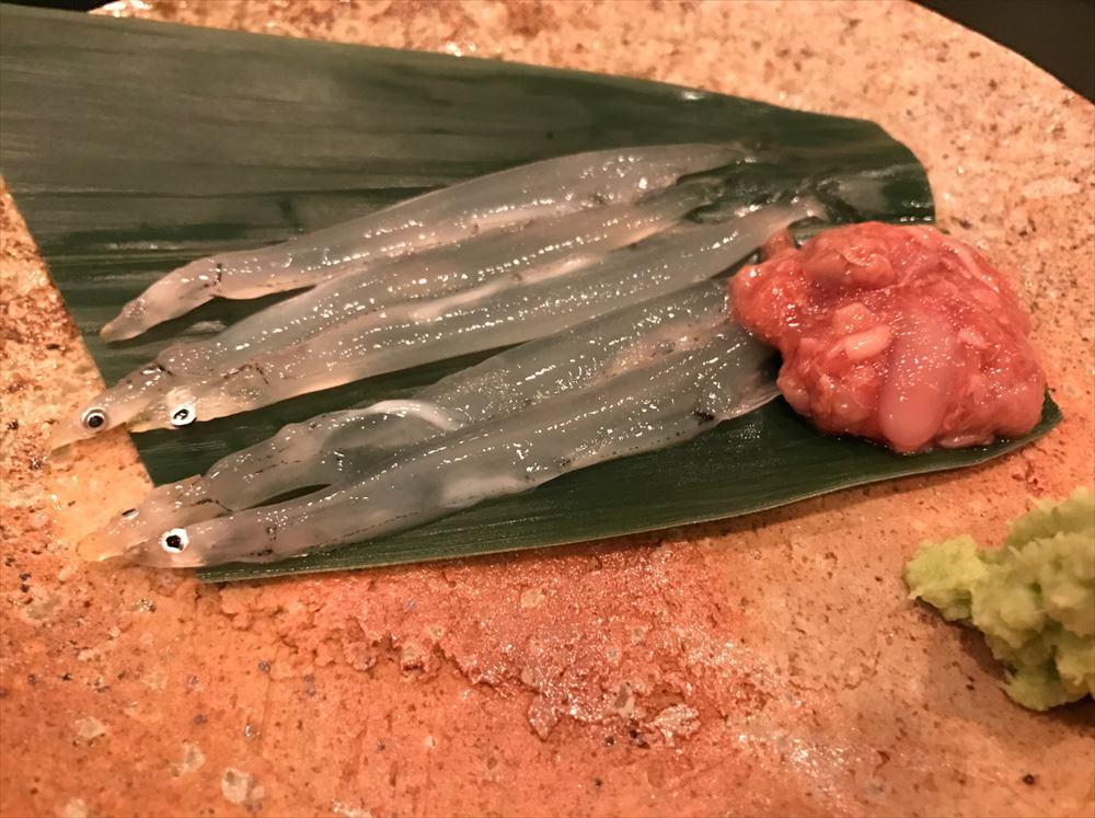 代々木上原の「鮨 廣金」の白魚
