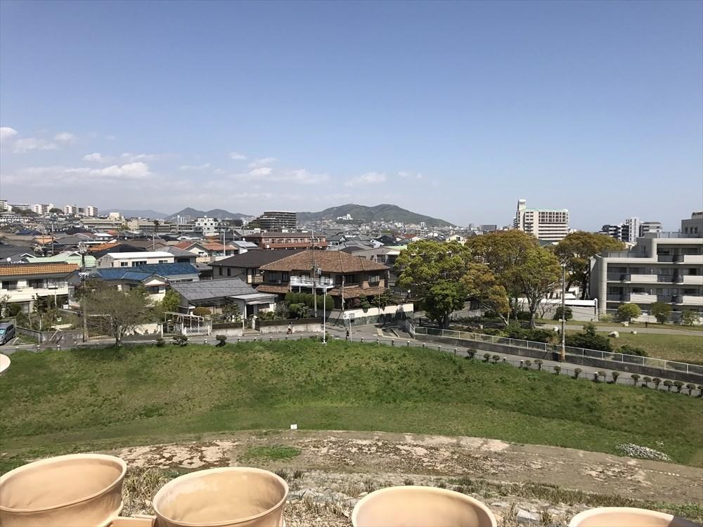 五色塚古墳の高円部からの眺め2