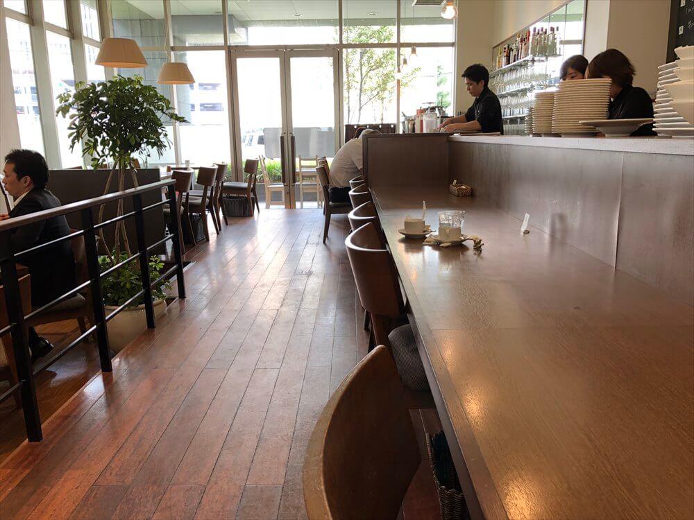 洋食屋 神戸デュシャンのカウンター席