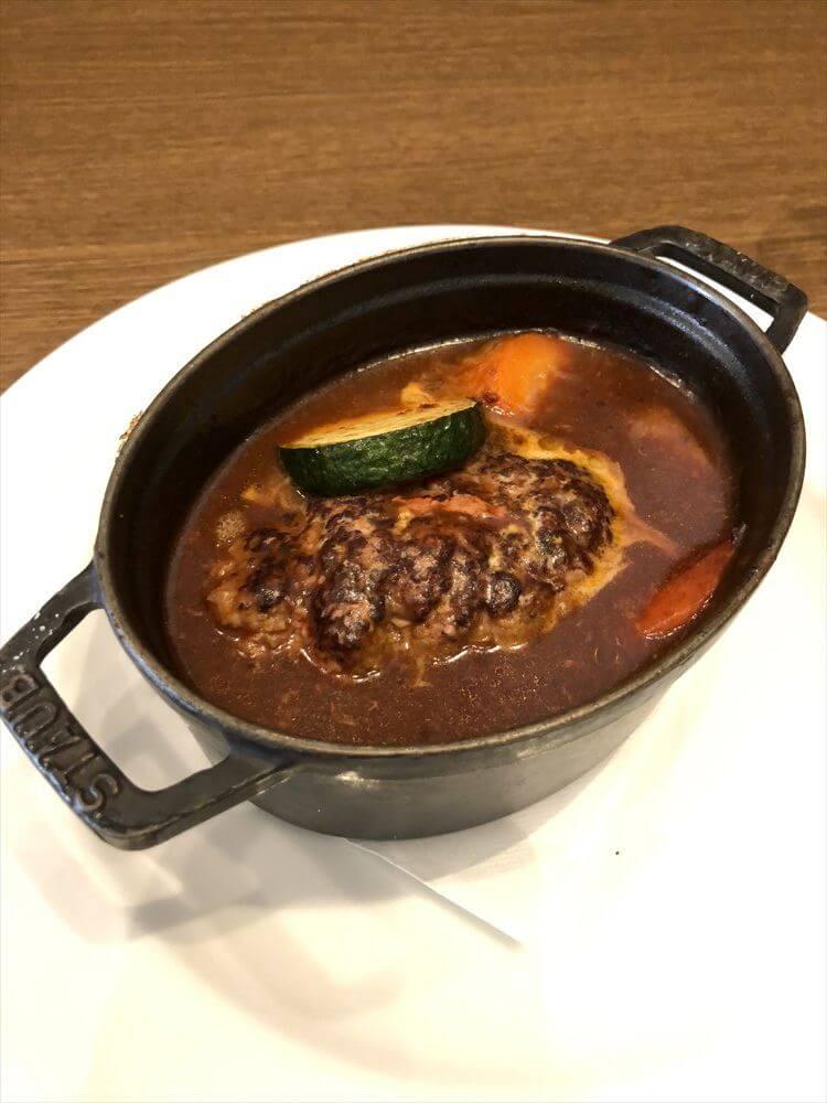 洋食屋 神戸デュシャンの煮込みハンバーグ